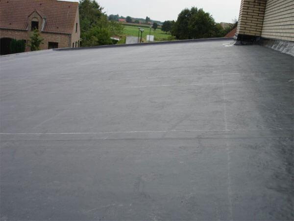 Het afgewerkte dak.